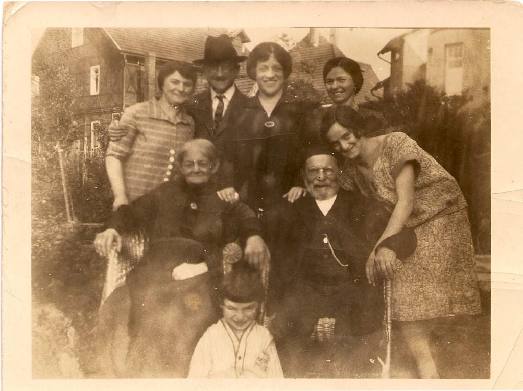 Henry_Moritz_SophieWidowOfJake_FriedaMotherOfFlora_NanetteParents_Flora ~1922
